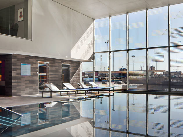 Aloft London Excel - Best Hotel Pools