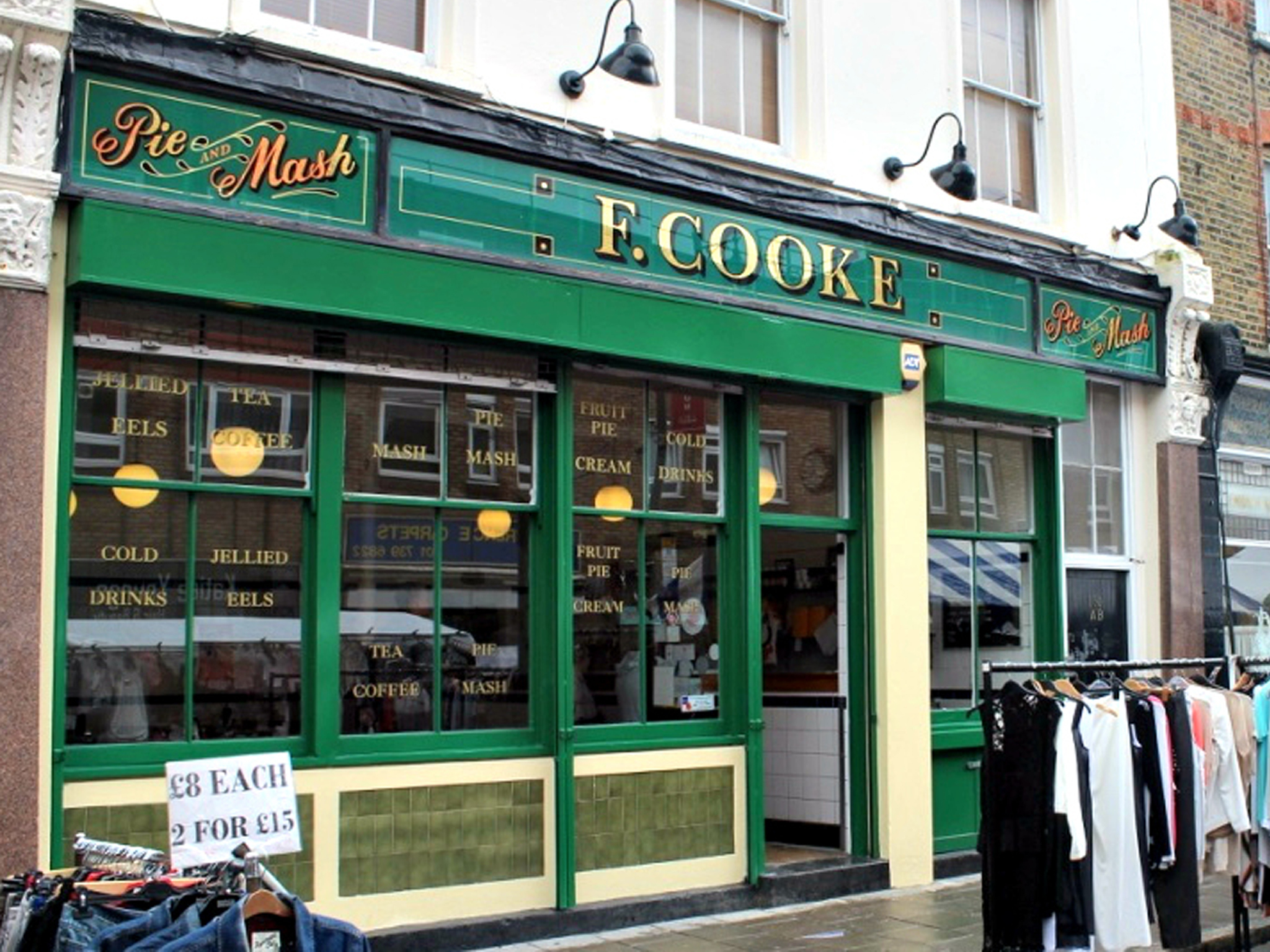 London's best pie & mash shops, F Cooke Hoxton