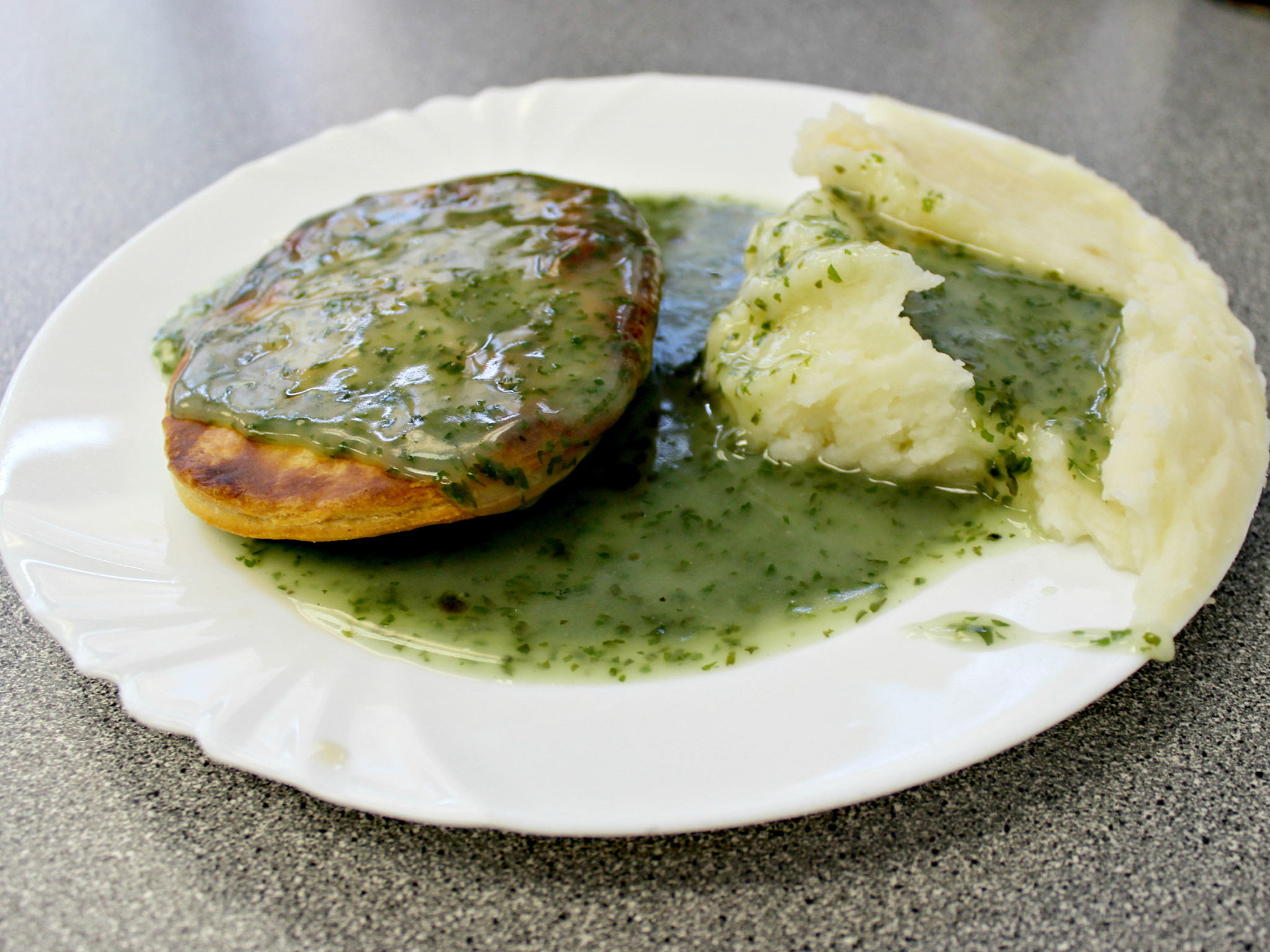 London's best pie & mash shops, Maureen's