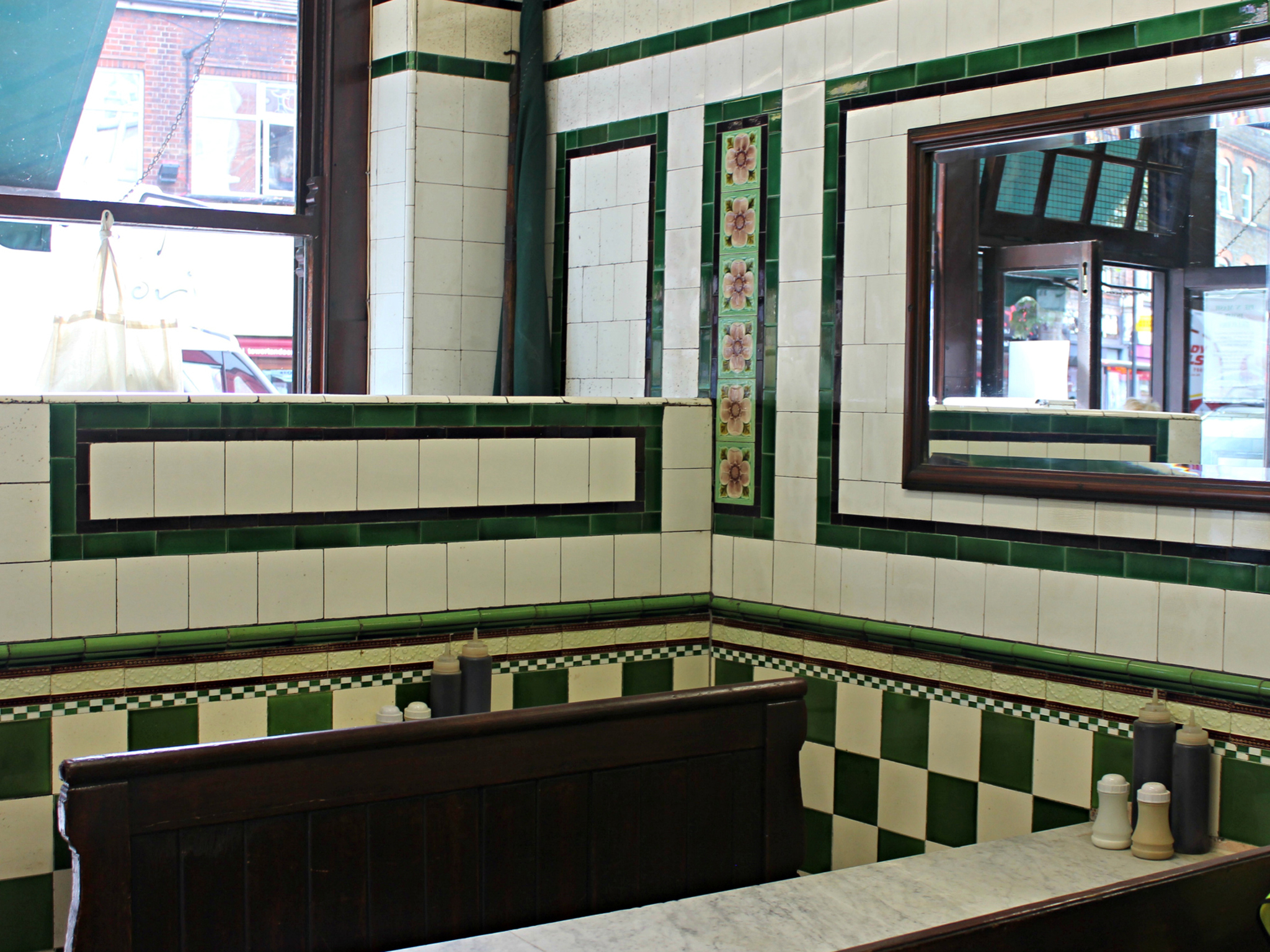 London's best pie and mash shops, M Manze Tower Bridge