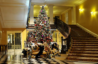 Claridge's Christmas - 12 hotels of Christmas