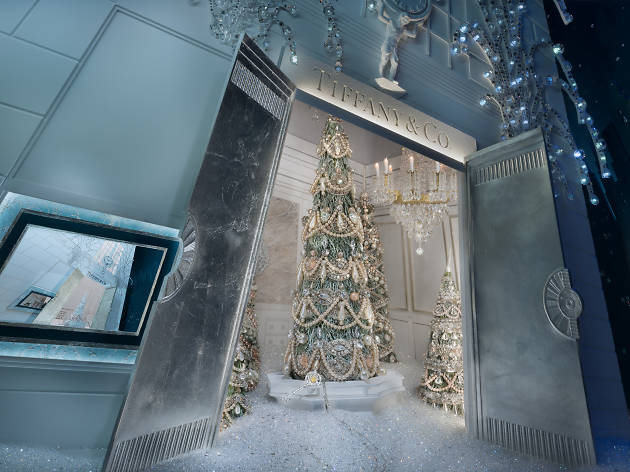 Check out photos of Tiffany & Co.'s dazzling holiday window display