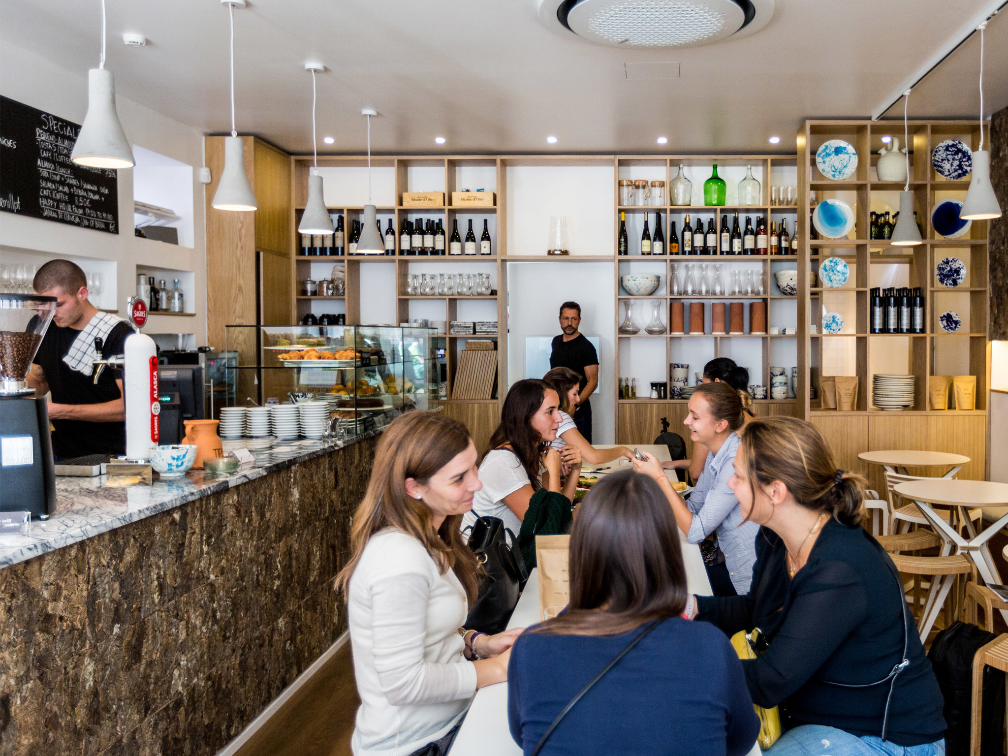 Sete cafés em Lisboa para se abrigar do frio