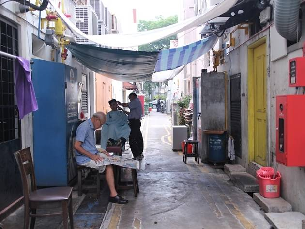 Street Barber Between Telok Ayer and Amoy Streets