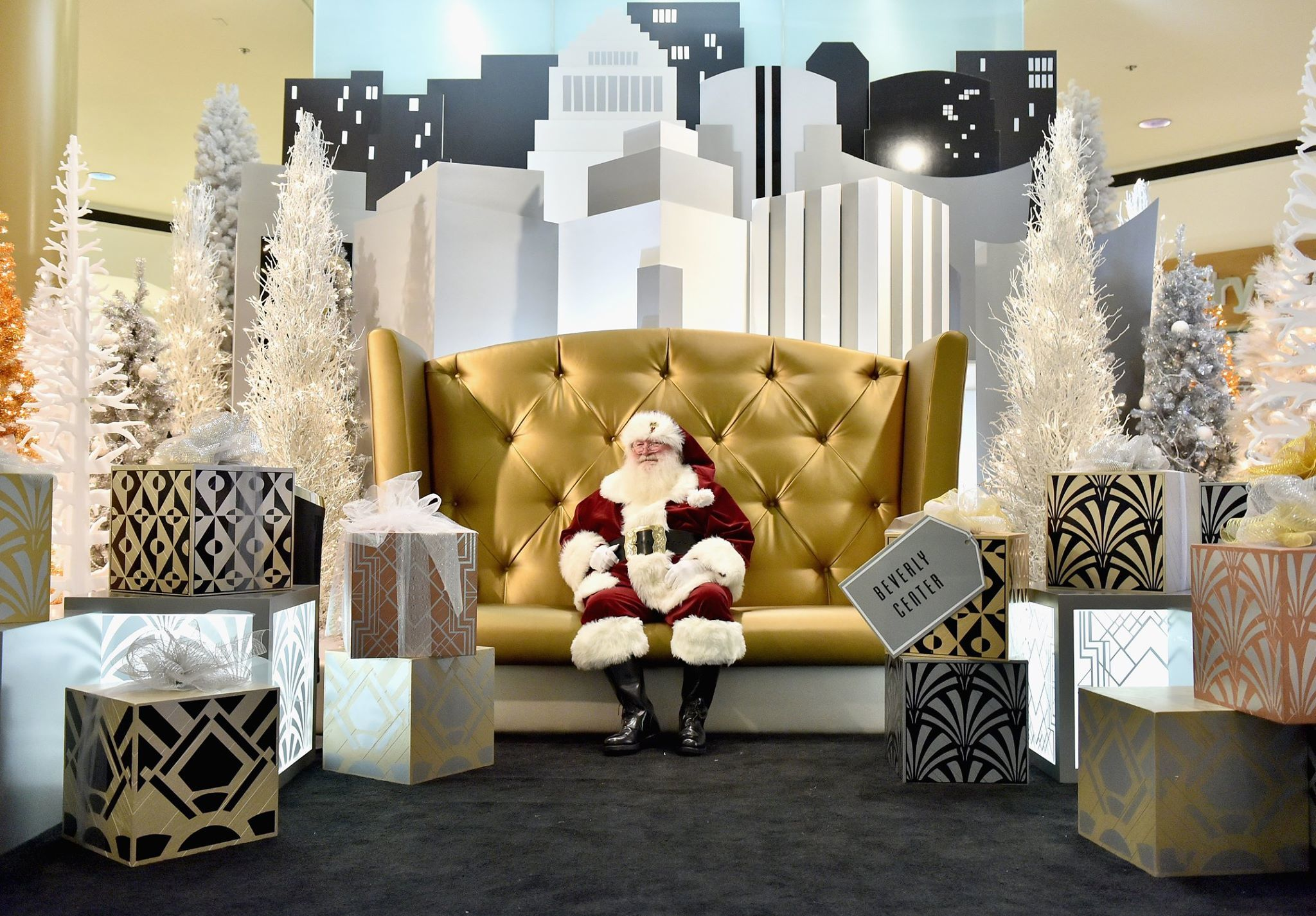 Where to go for pictures with Santa in Los Angeles