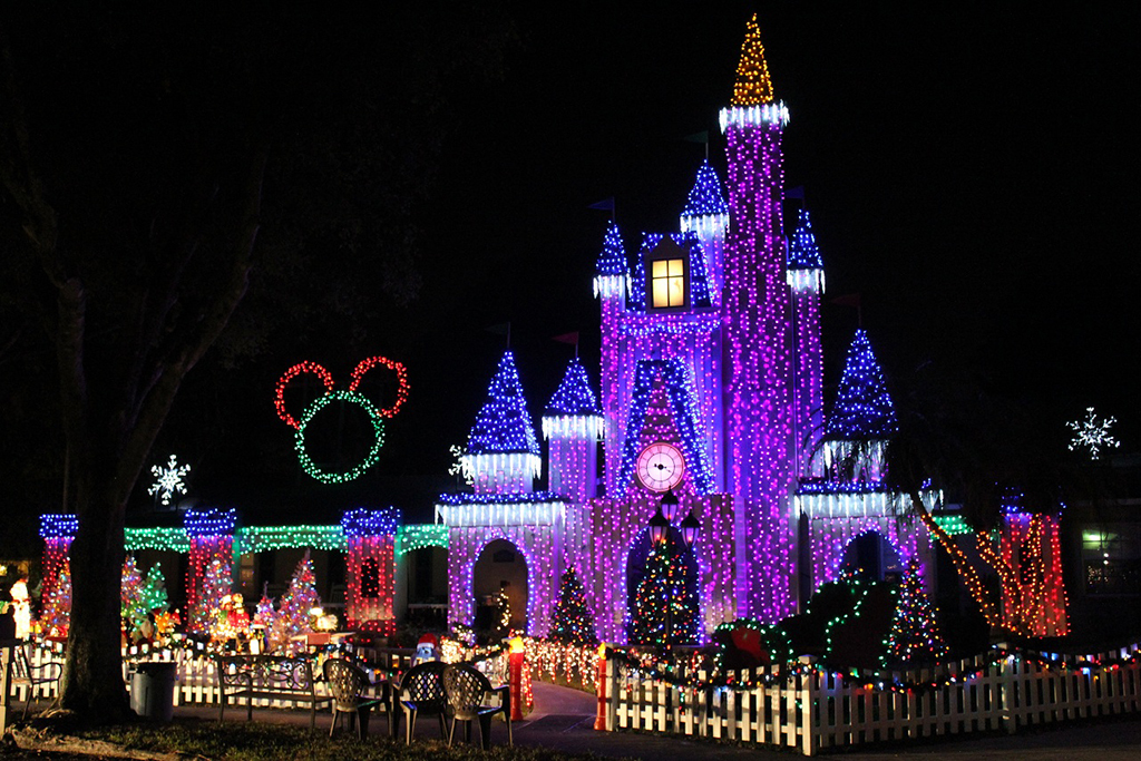 Pictures Of Homes Decorated For Christmas where to see christmas lights in miami and fort lauderdale