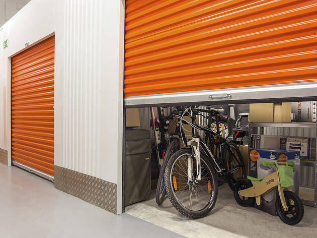 Stokado self storage