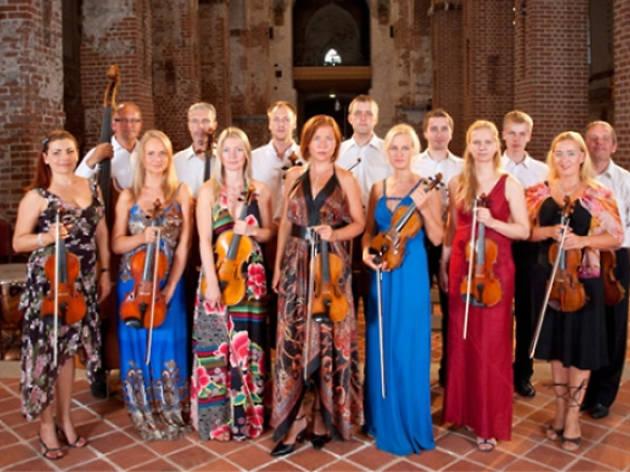 Andres Mustonen and Glasperlenspiel Sinfonietta
