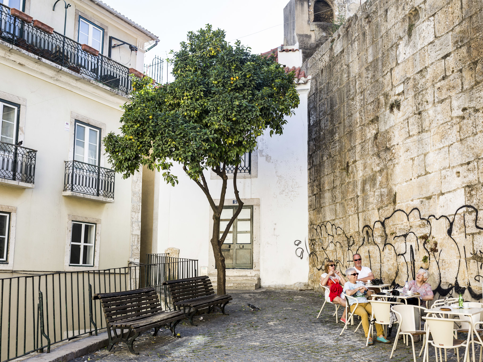 10 Things to do in Alfama