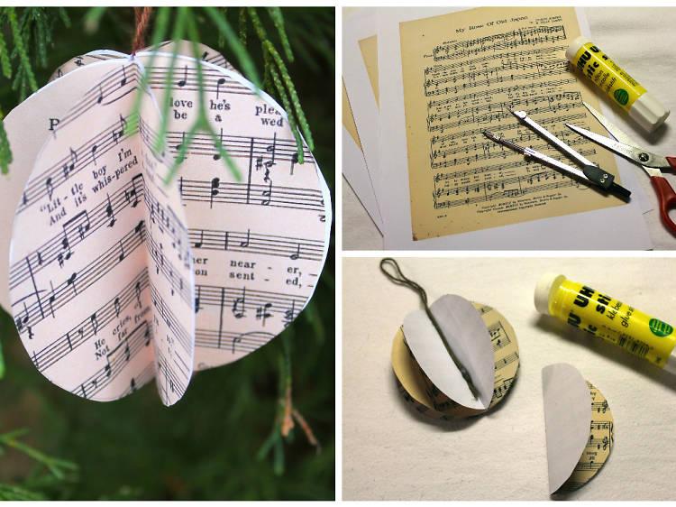 Une boule musicale en papier