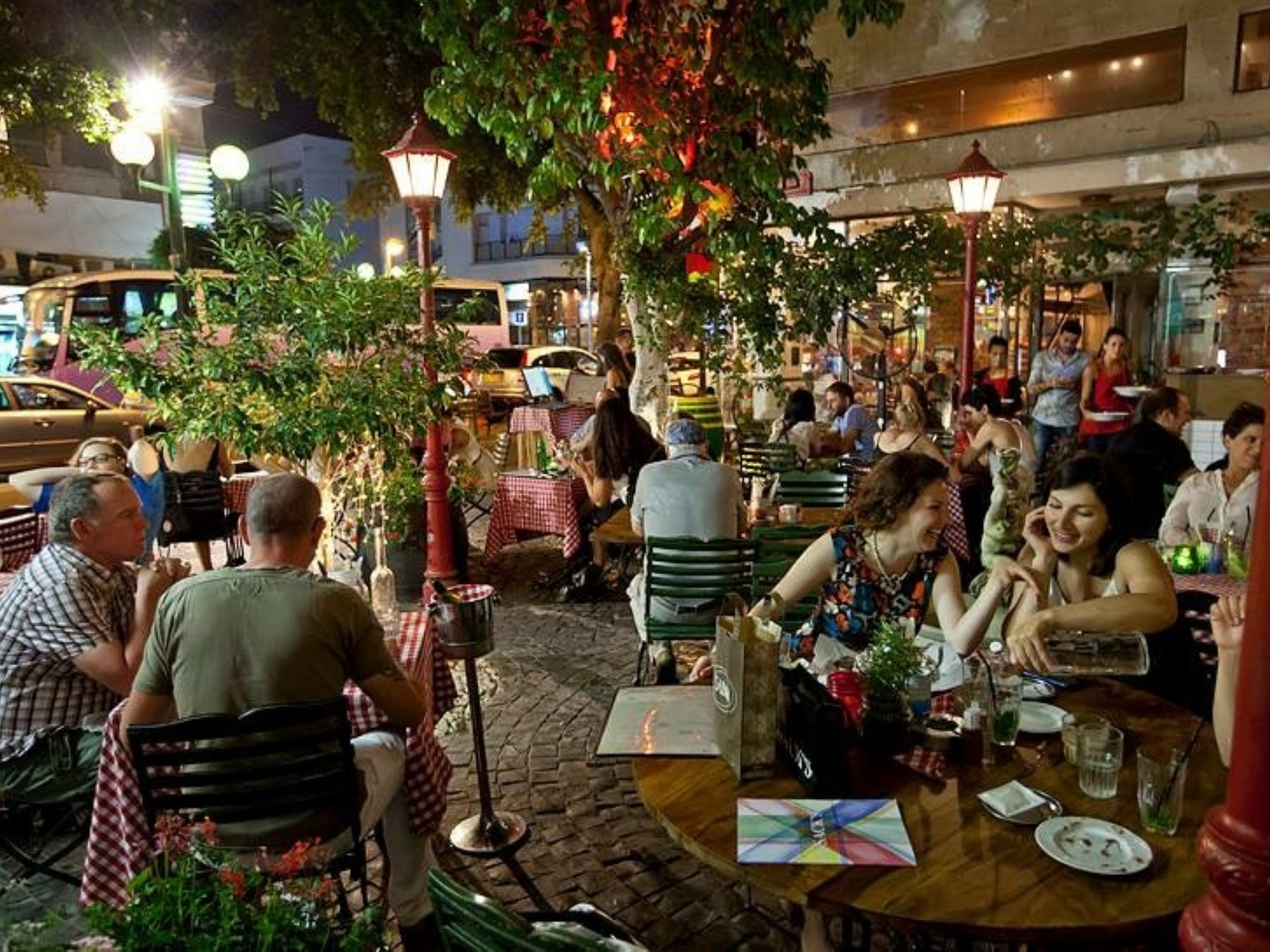 Piazza Café | Restaurants in Tel Aviv City Center, Israel