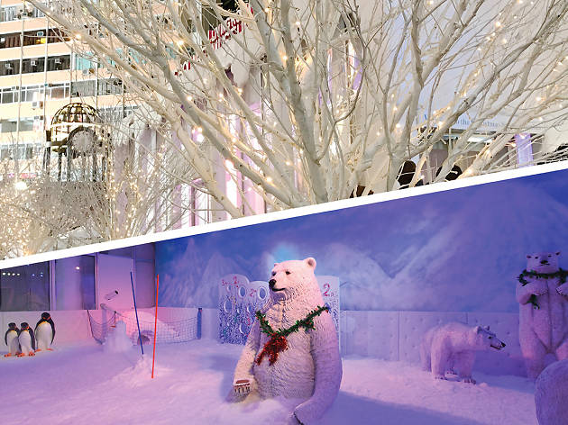 Times Square snow chamber