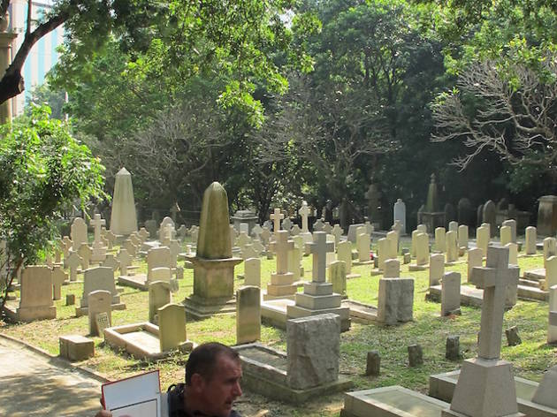 Happy Valley Cemeteries Walk