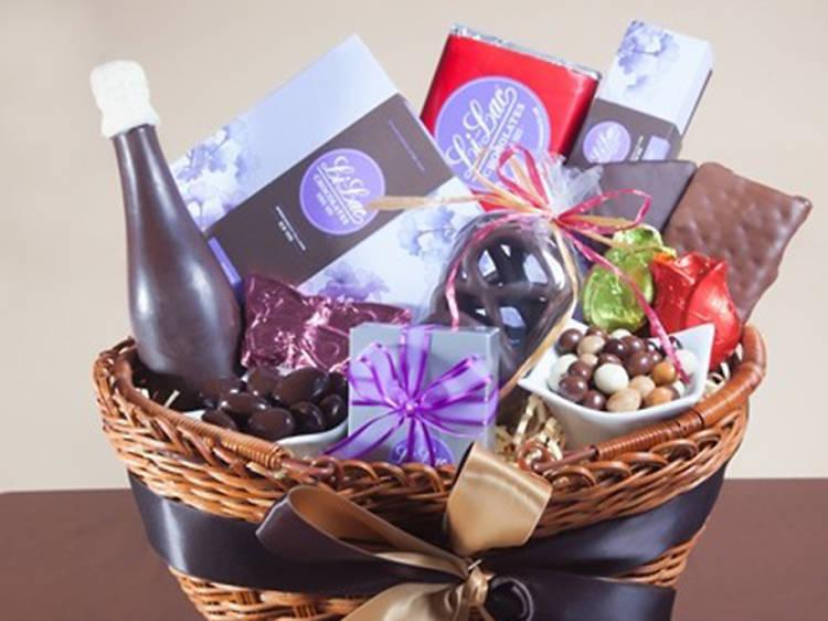 Li-Lac Chocolates Signature Gift Basket