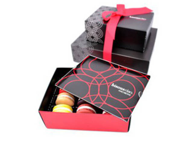 Bisous, Ciao Macaron Gift Box