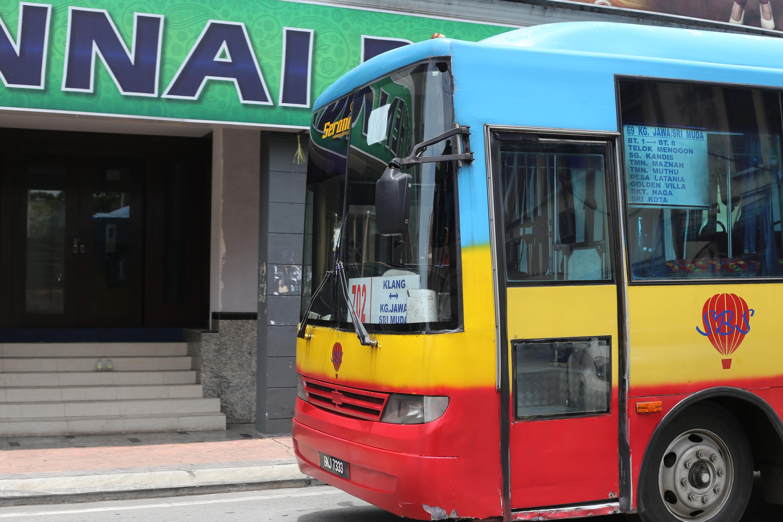 Klang mini bus