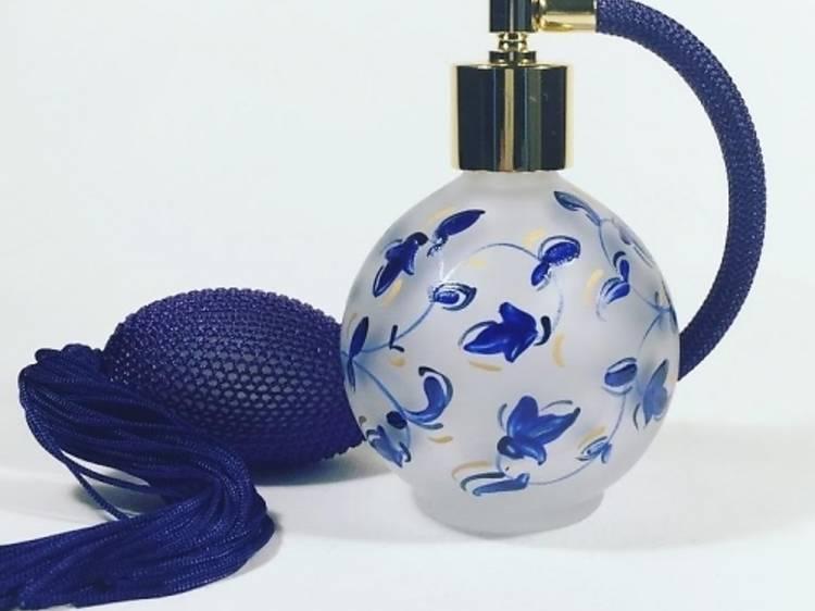 Un vaporisateur de parfum vintage