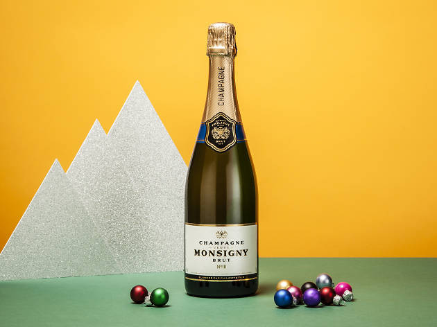 supermarket champagne on a budget, aldi veuve monsigny