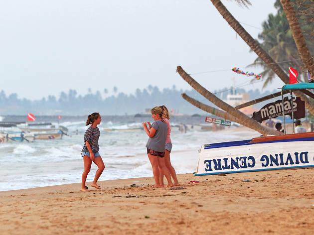 Explore the beaches of Wadduwa