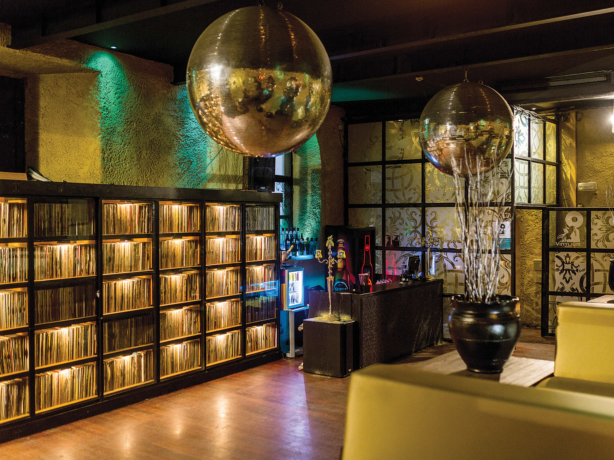 Vinylium Room