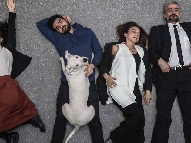 Köpeklerin İsyan Günü oyunundan bir sahne.