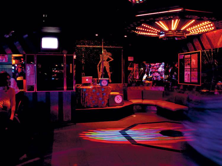 Os melhores bares no Cais do Sodré