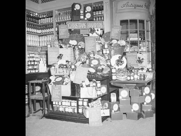 Fortnum and Mason's Christmas displays, 1953