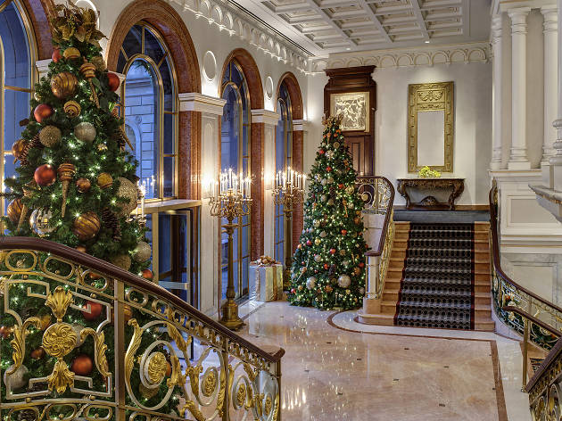 13 Best Christmas Hotels In Nyc Where To Spend The