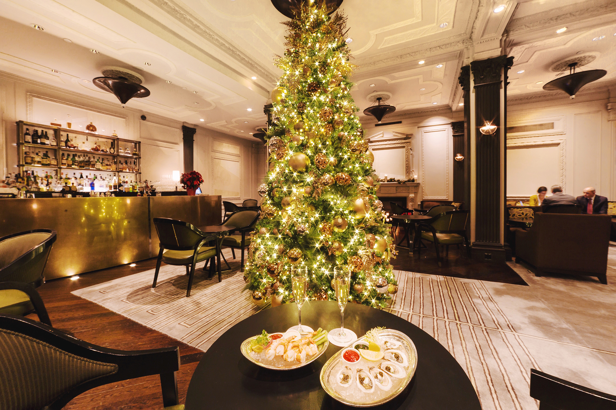 best christmas hotels for spending the holidays in nyc - Christmas Decor Without A Tree