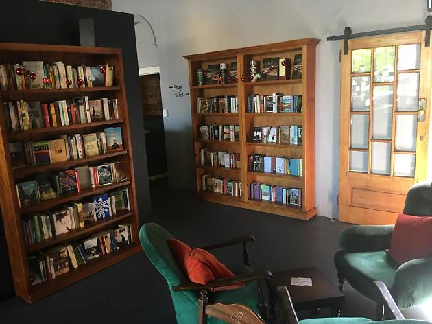Buck Mulligan's book shelves