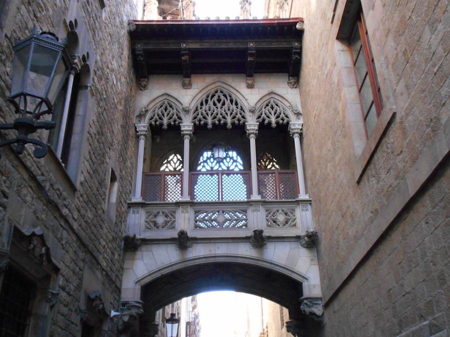 Pont Rubió, carrer del Bisbe
