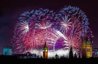Enjoy 360-degree panoramic views of the fireworks this New Year's Eve (without leaving home)