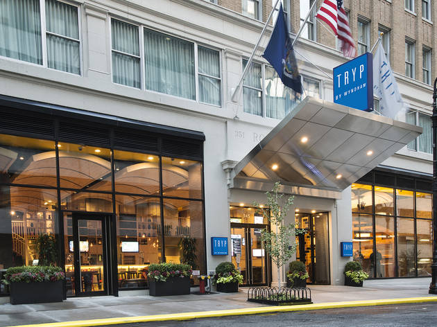 tryp by wyndham times square south hotels in hell 39 s. Black Bedroom Furniture Sets. Home Design Ideas