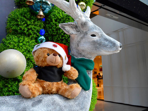 Best Christmas selfie spots in Orchard
