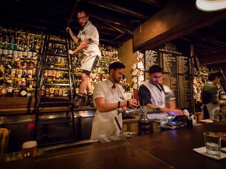 Discover Sydney's coolest speakeasy, the Baxter Inn