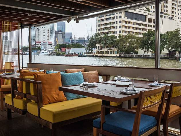 Supanniga Cruise serves Thai cuisine on the river