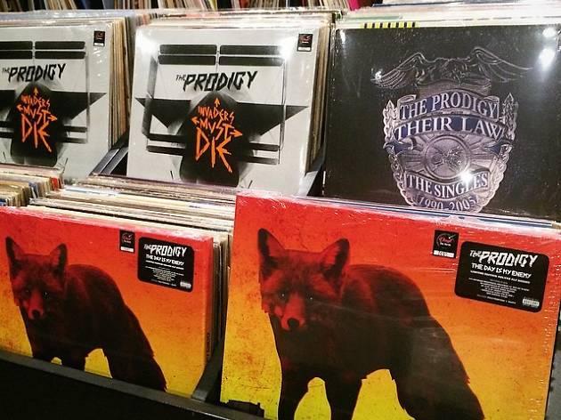 Vinyl Die Hards 04