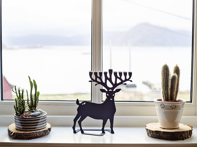 'We wish you a Merry Chrismukkah and a happy New deer?...'