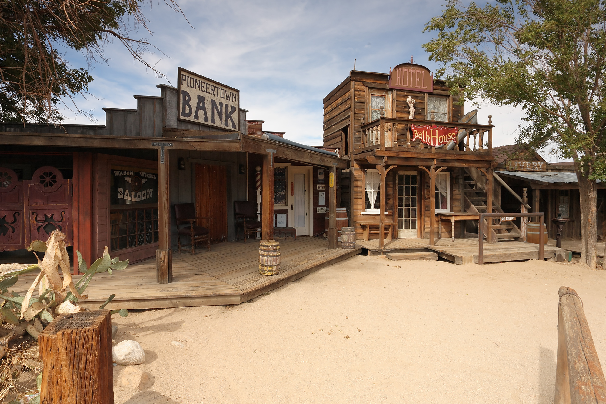 Ghost Towns In California Map.Nine Amazing Authentic Ghost Towns Worth A Road Trip From L A