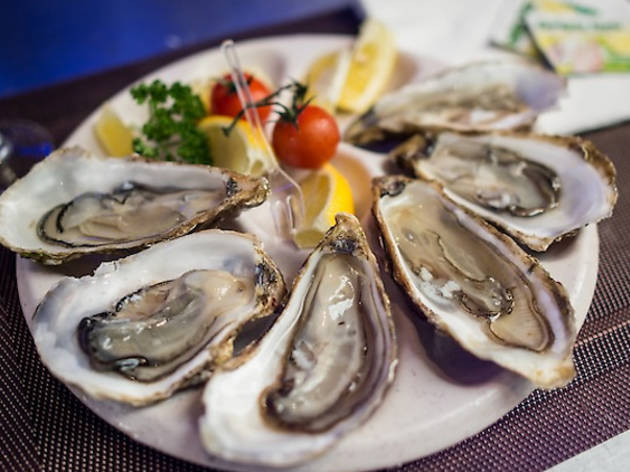 Where to find €1 oysters in Paris