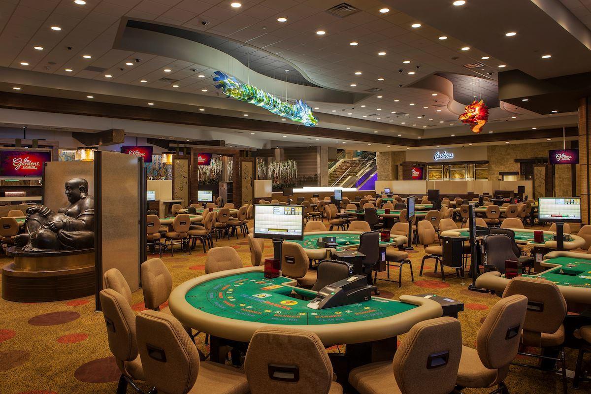 The Gardens Casino | Nightlife in The Harbor, Hawaiian Gardens