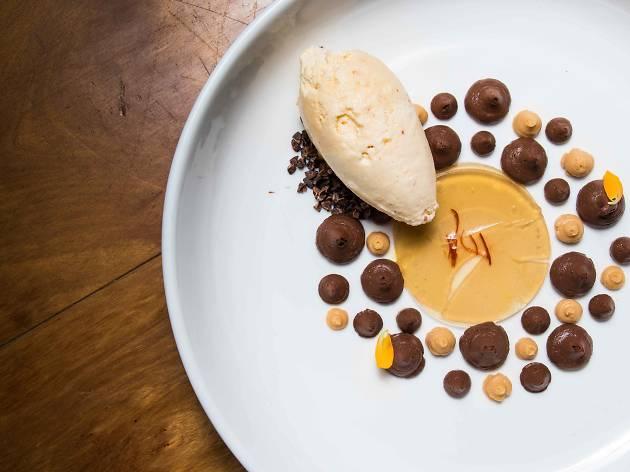 chocolate dessert at 80/20 charoengrung