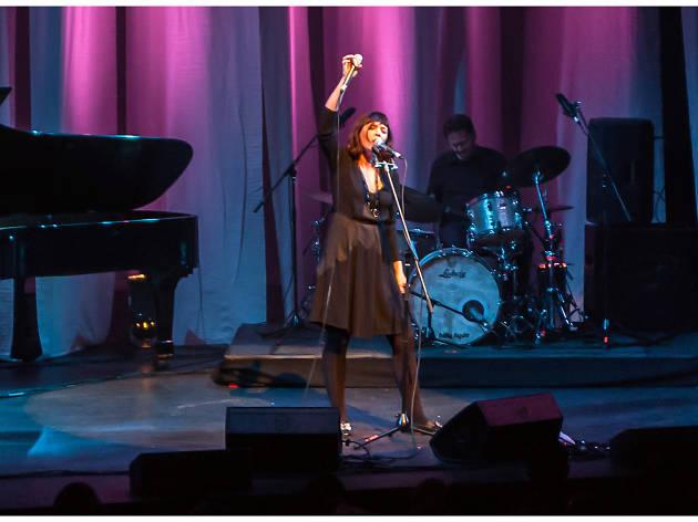 Sarah Blasko - Live