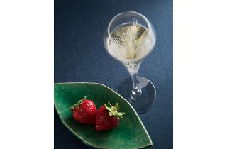 日本料理なにわ 懐石『あまおうとシャンパン』