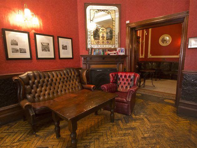 best pubs with fires in london, salisbury