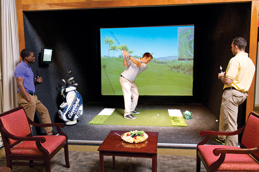 Play indoor golf at Chelsea Piers