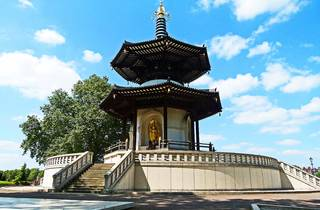 Five things you should know about the Peace Pagoda in Battersea