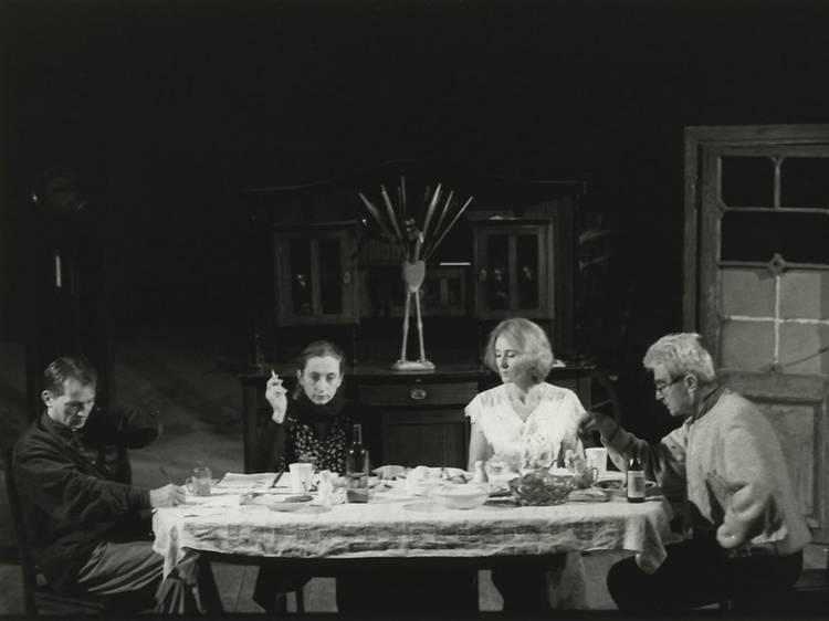 Vostè va fer un altre clàssic de Bernhard, 'Ritter, Dene, Voss', que s'assembla molt a 'Davant la jubilació'. Què tenen en comú?