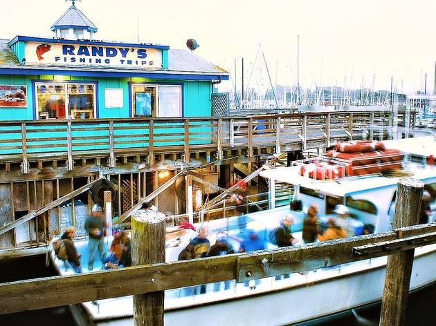Full-Day Crabbing & Fishing Trip in Monterey