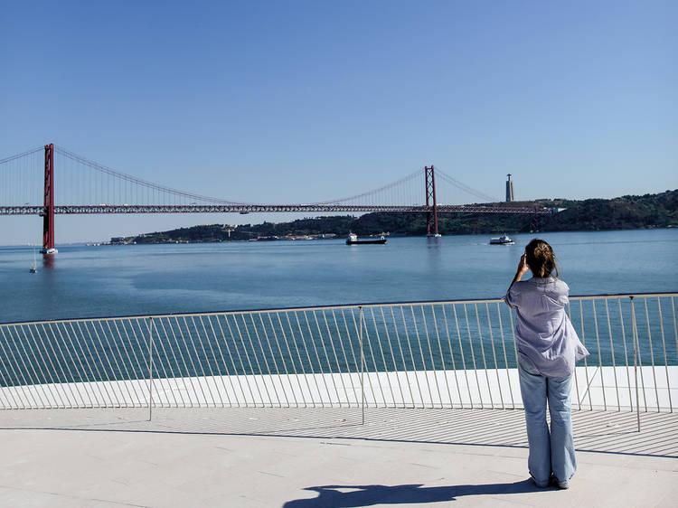 Lisbon by the river side car tour